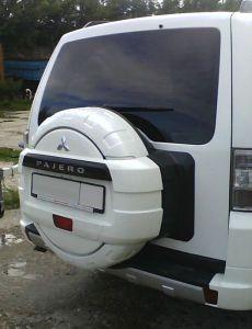 Пластиковый бокс (чехол) запасного колеса Mitsubishi PAJERO 4 (КРАШЕНЫЙ в цвет автомобиля)