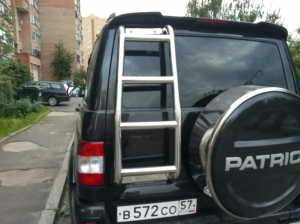 Лестница из нержавеющей стали УАЗ ПАТРИОТ
